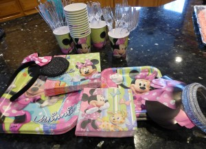 Minnie Mouse party gear