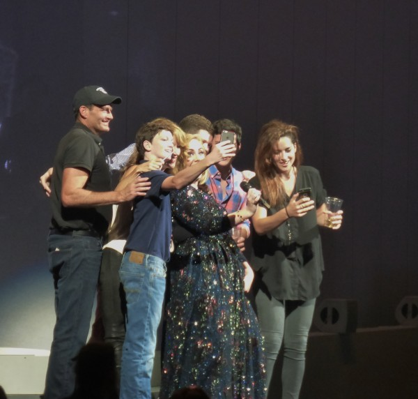 This lucky family got invited on to stage! They got to chat with her and take selfies! I would have died....!